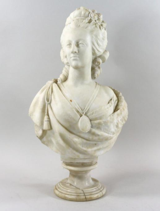 A vendre: bustes Marie Antoinette - Page 9 Zlougr11