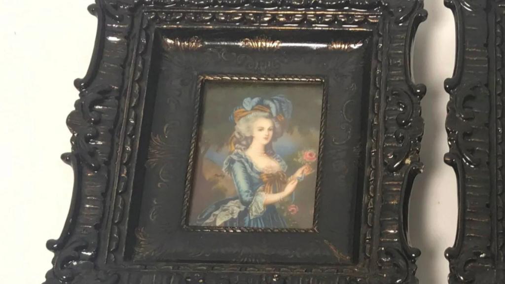 A vendre: miniatures de Marie Antoinette et de ses proches - Page 15 Zlougr16