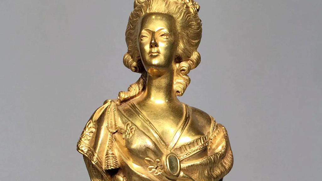 A vendre: bustes Marie Antoinette - Page 10 Zzzz18