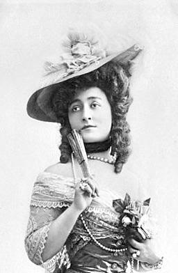 Madame Capet ou Cécile Sorel dans le métro en 1944 62420d10