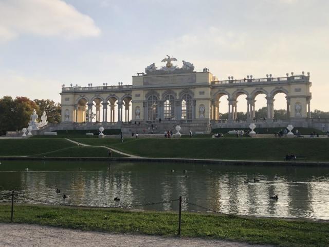 Le palais de Schönbrunn - Page 4 7796c810