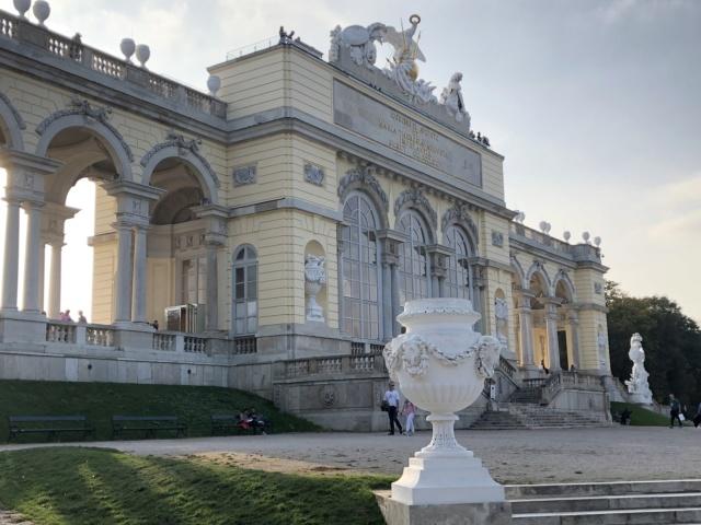 Le palais de Schönbrunn - Page 4 9181cb10