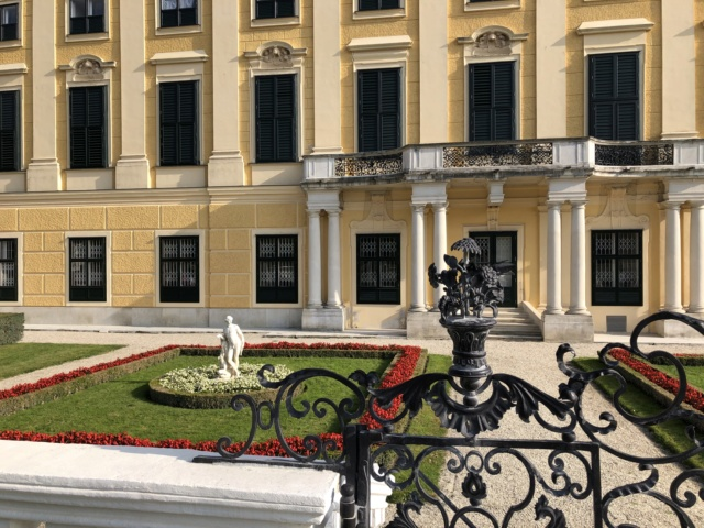 Le palais de Schönbrunn - Page 4 A5049210