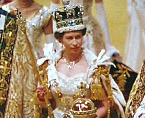 La reine Elizabeth II - Page 6 Afb68f10
