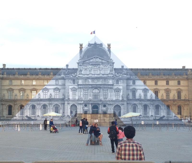 Les 30 ans de la pyramide du Louvre - Page 2 C1685710
