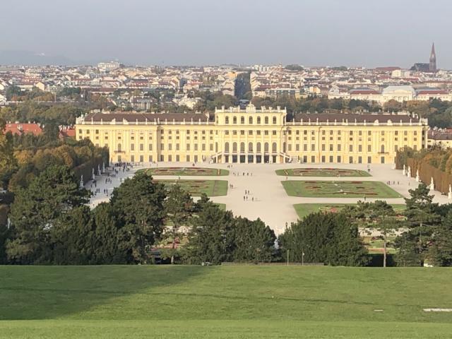 Le palais de Schönbrunn - Page 4 C4e0f310