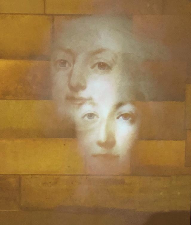 La cellule de Marie-Antoinette à la Conciergerie   - Page 6 Cd8e9910