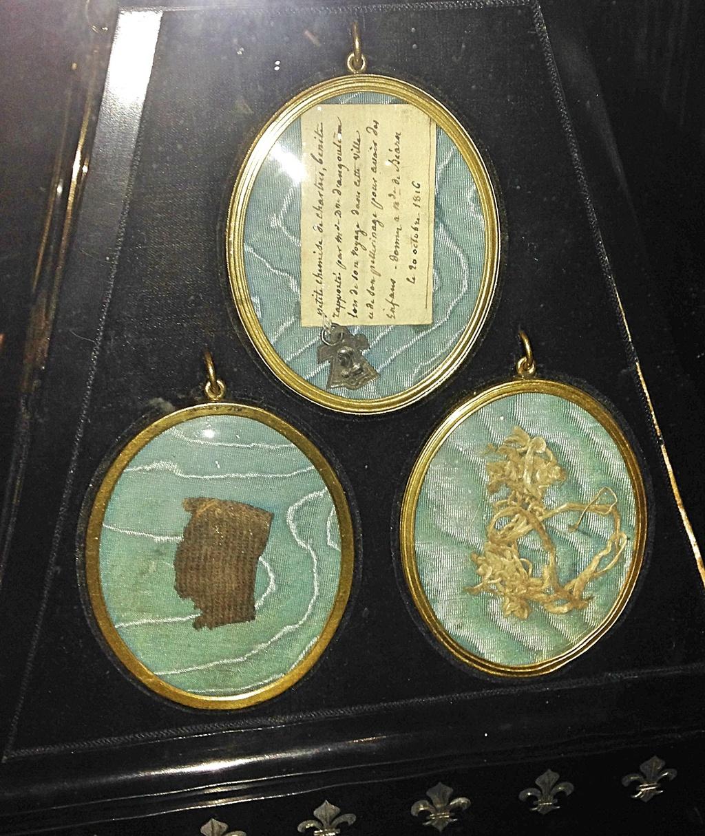 La dernière jarretière de Marie-Antoinette D6d79610