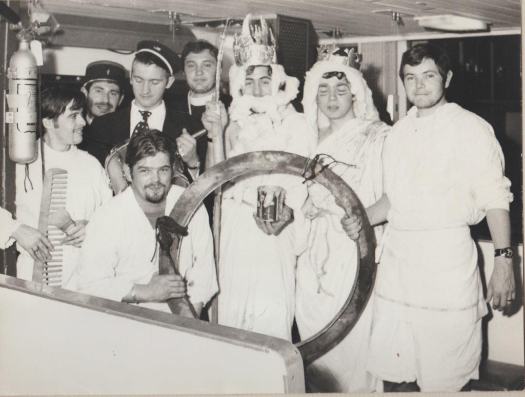 [Les traditions dans la Marine] Passage du cercle polaire (Sujet unique) - Page 4 Redout13