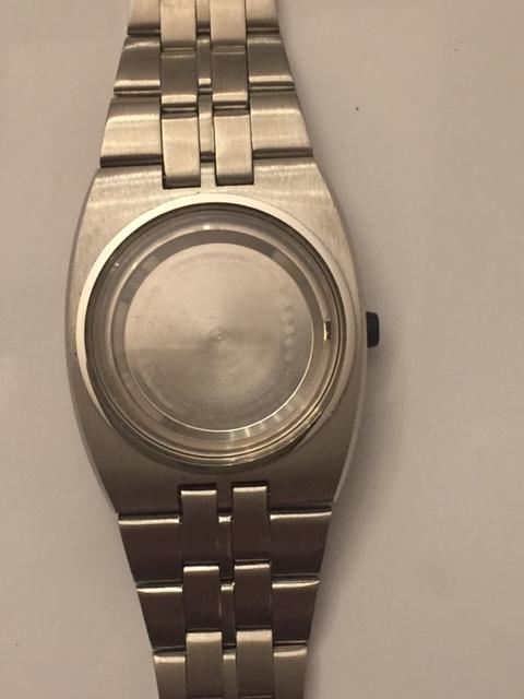 Jaeger -  [Postez ICI les demandes d'IDENTIFICATION et RENSEIGNEMENTS de vos montres] Tissot11