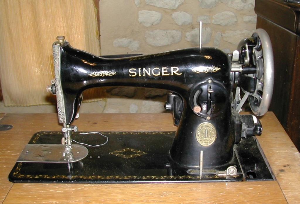 Ancienne Singer électrique années 50 marquée SA308255, identification (15B) et huilage. Singer10