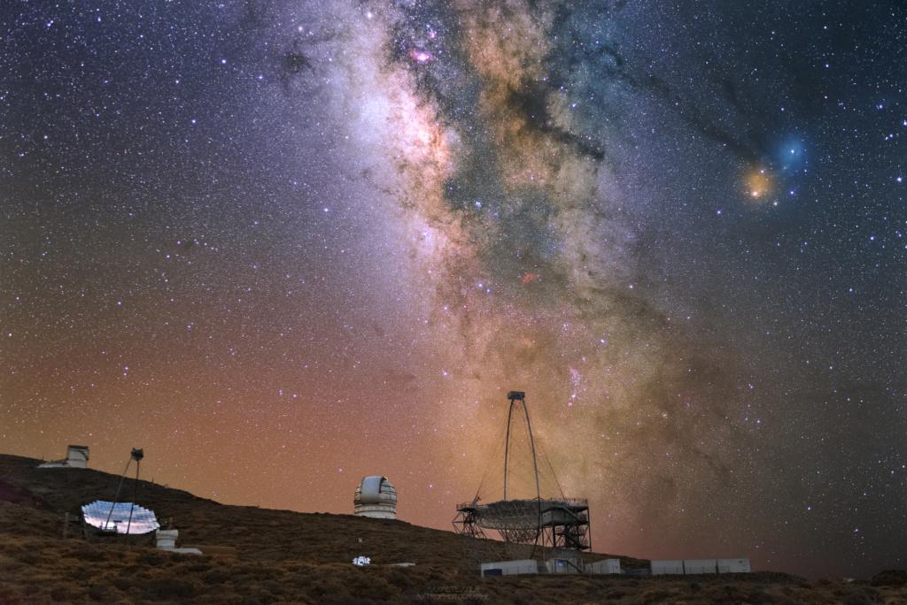 La voie lactée reflète dans le Magic Telescope et le GTC (La Palma, Canaries) Vlmagi10