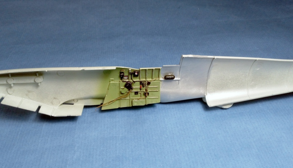 "Spitfire Mk IX e Revell 1/32 + décals Tamiya 1/4  ""Dauphine "" 0825"