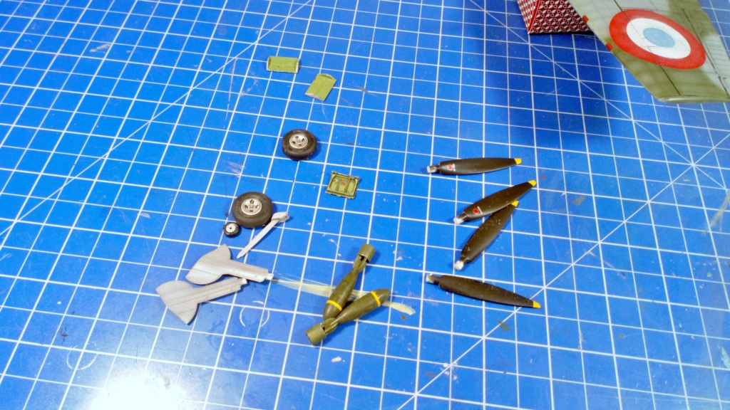 "Spitfire Mk IX e Revell 1/32 + décals Tamiya 1/4  ""Dauphine "" - Page 6 7011"