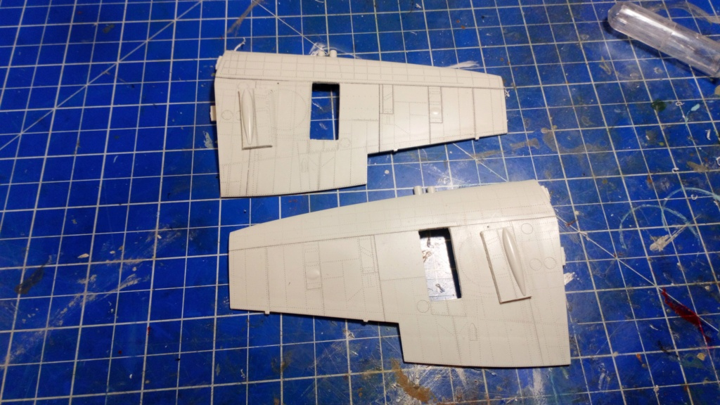 "Spitfire Mk IX e Revell 1/32 + décals Tamiya 1/4  ""Dauphine "" - Page 2 Dsc_0018"