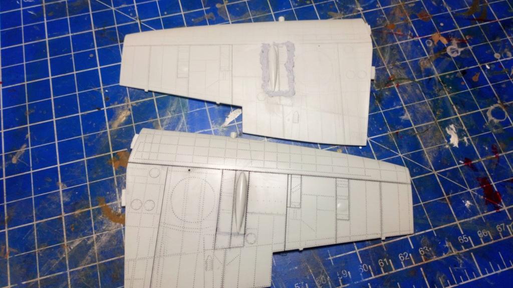 "Spitfire Mk IX e Revell 1/32 + décals Tamiya 1/4  ""Dauphine "" - Page 2 Dsc_0019"
