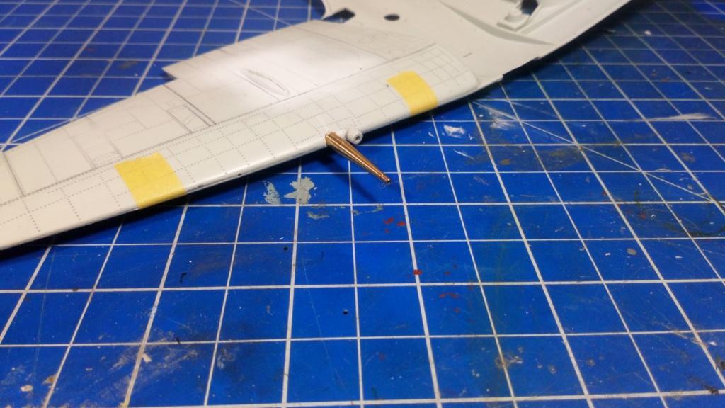 "Spitfire Mk IX e Revell 1/32 + décals Tamiya 1/4  ""Dauphine "" - Page 2 Dsc_0023"