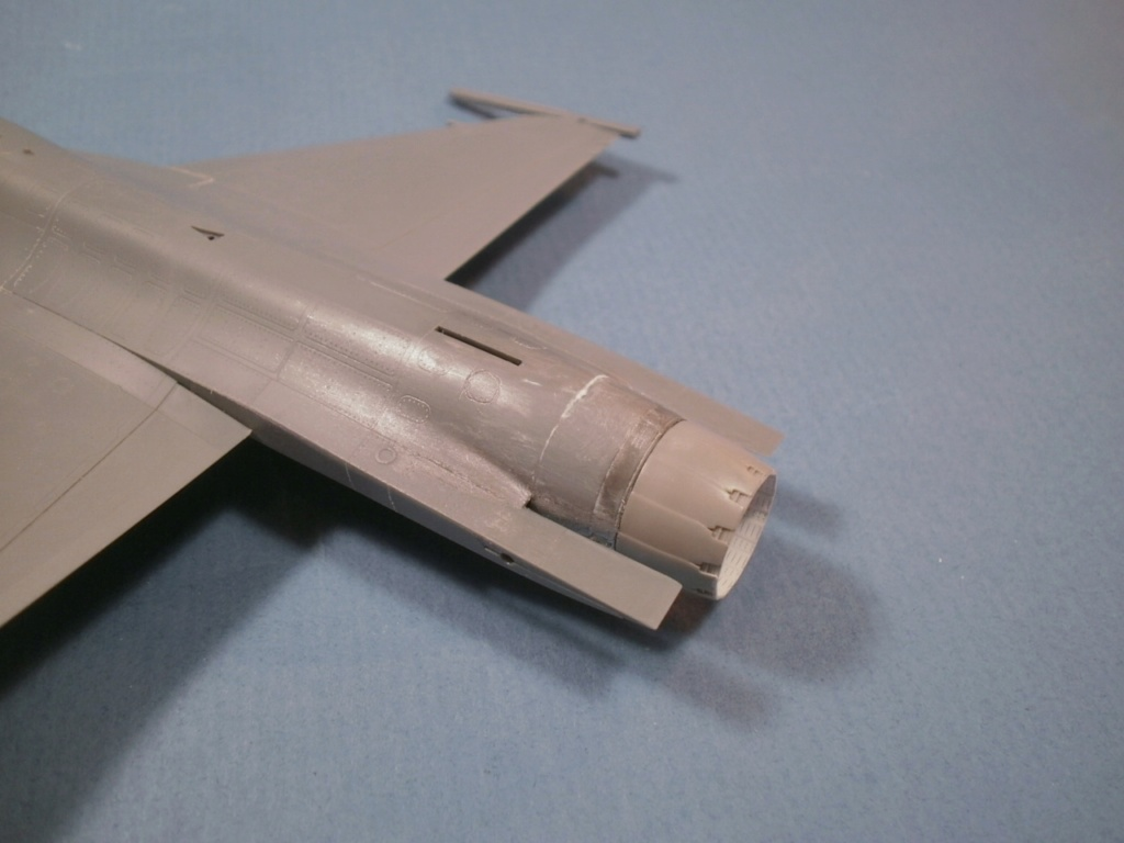 F 16 CJ Tamiya 1/72 - Page 2 P6190010