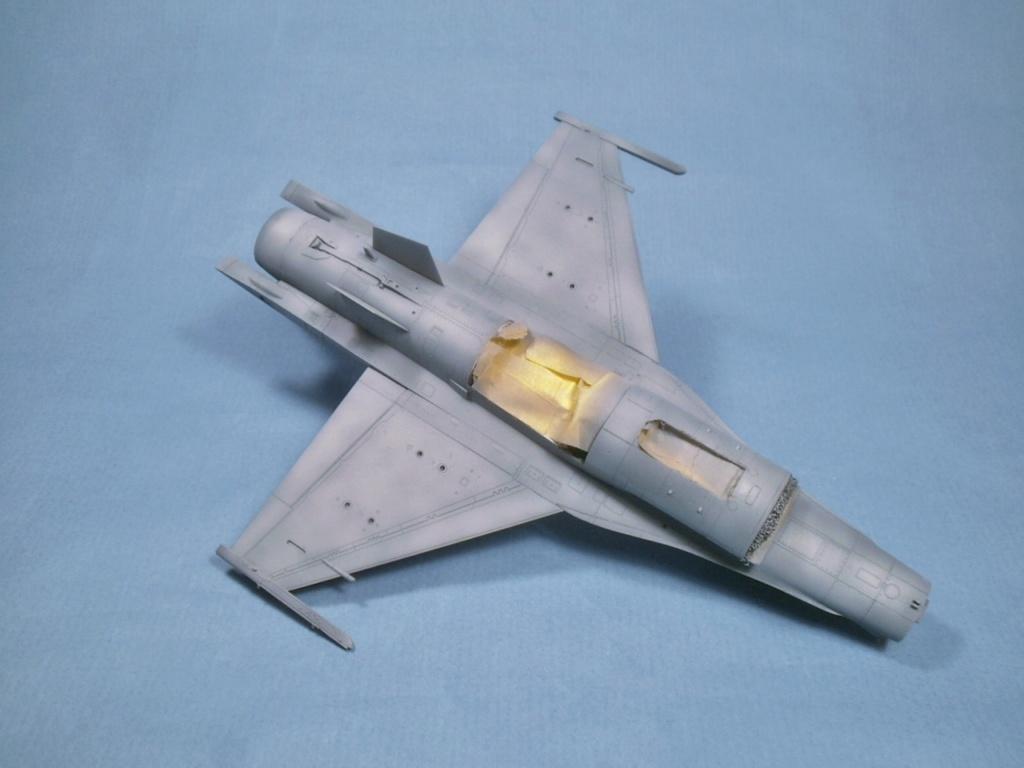 F 16 CJ Tamiya 1/72 - Page 2 P7140010