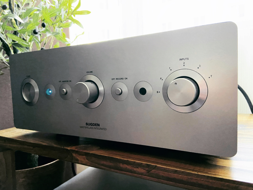 Sugden Masterclass I-A4 Intergrated Amplifier  2dd30610
