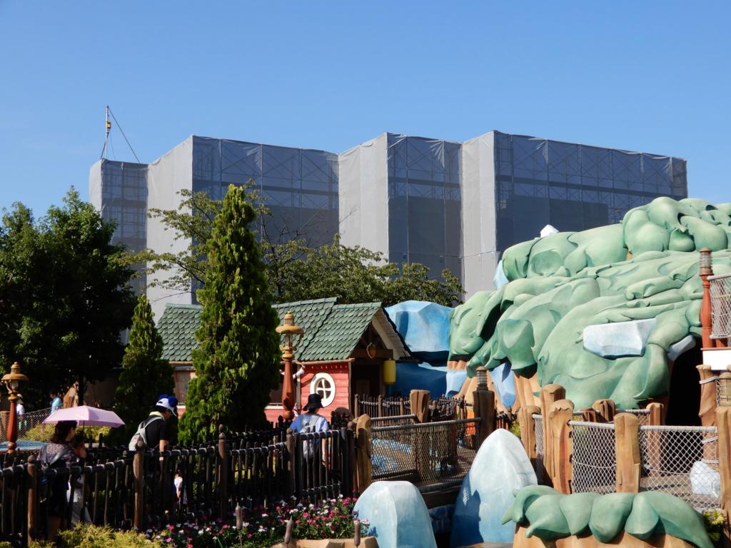 [Tokyo Disneyland] Nouvelles attractions à Toontown, Fantasyland et Tomorrowland (15 avril 2020)  - Page 5 Dscn0418