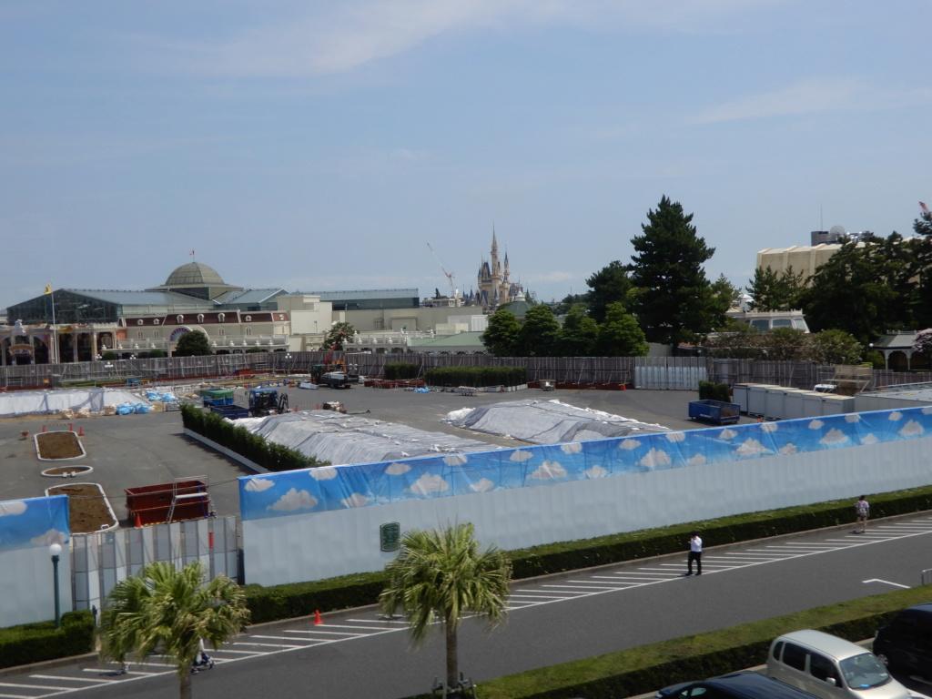 [Tokyo Disneyland] Nouvelles attractions à Toontown, Fantasyland et Tomorrowland (15 avril 2020)  - Page 5 Dscn0430