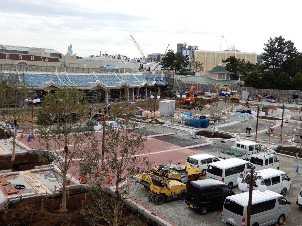 [Tokyo Disneyland] Rénovation de la Séquence d'Entrée Dscn3720