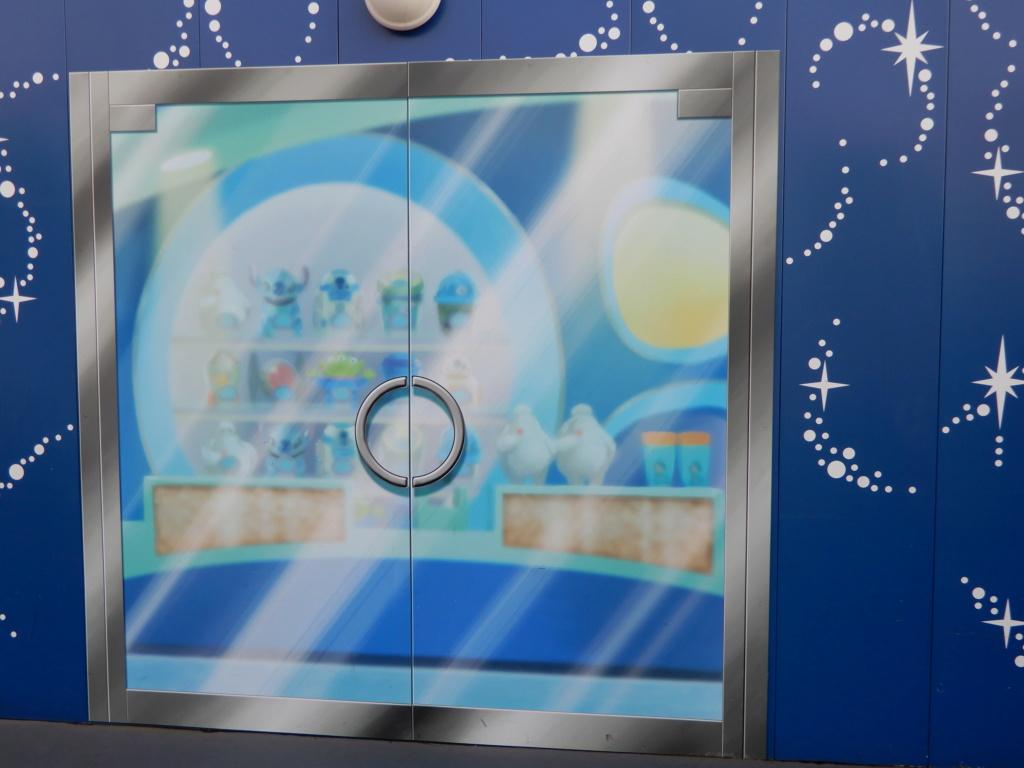 [Tokyo Disneyland] Nouvelles attractions à Toontown, Fantasyland et Tomorrowland (15 avril 2020)  - Page 7 Dscn5851