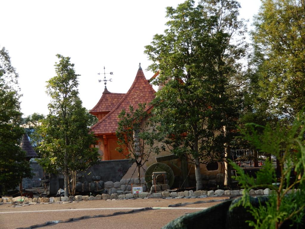 [Tokyo Disneyland] Nouvelles attractions à Toontown, Fantasyland et Tomorrowland (15 avril 2020)  - Page 7 Dscn5911