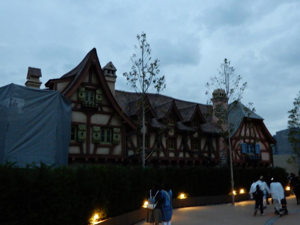 [Tokyo Disneyland] Nouvelles attractions à Toontown, Fantasyland et Tomorrowland (28 septembre 2020)  - Page 7 Dscn7512