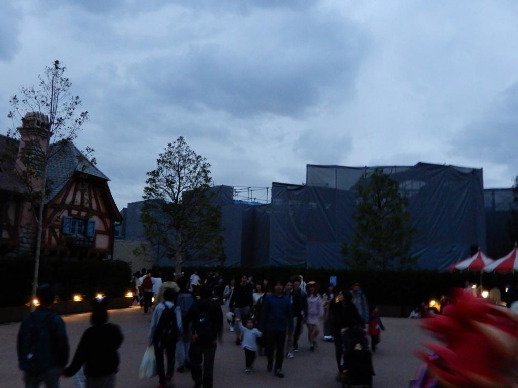 [Tokyo Disneyland] Nouvelles attractions à Toontown, Fantasyland et Tomorrowland (28 septembre 2020)  - Page 7 Dscn7516