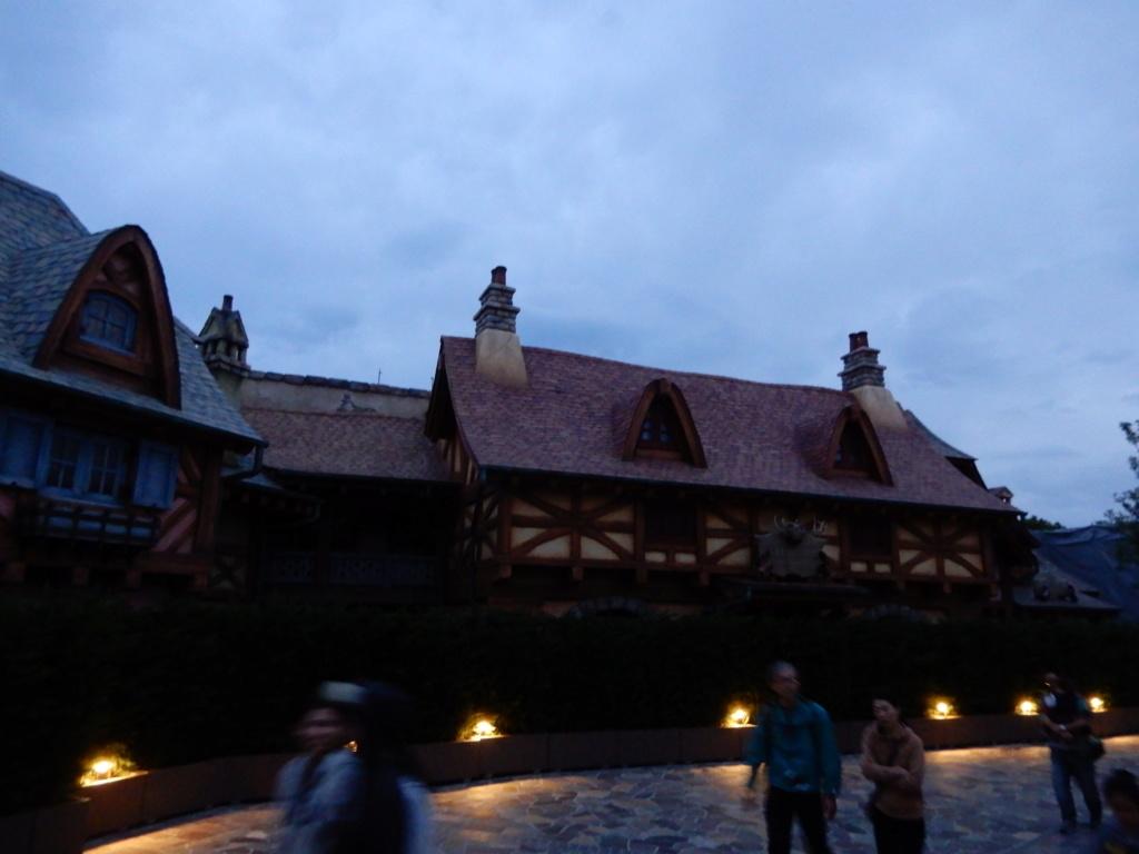 [Tokyo Disneyland] Nouvelles attractions à Toontown, Fantasyland et Tomorrowland (28 septembre 2020)  - Page 7 Dscn7517