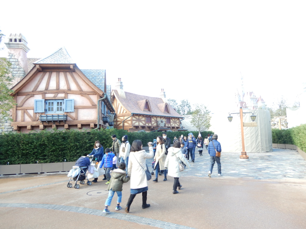 [Tokyo Disneyland] Nouvelles attractions à Toontown, Fantasyland et Tomorrowland (28 septembre 2020)  - Page 7 Dscn8413