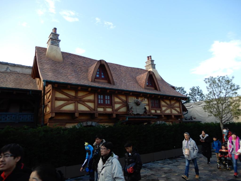 [Tokyo Disneyland] Nouvelles attractions à Toontown, Fantasyland et Tomorrowland (28 septembre 2020)  - Page 7 Dscn8414