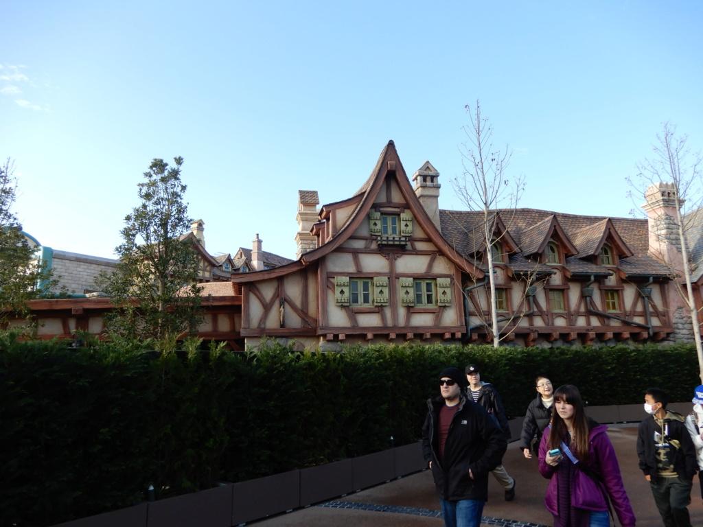 [Tokyo Disneyland] Nouvelles attractions à Toontown, Fantasyland et Tomorrowland (28 septembre 2020)  - Page 7 Dscn8431