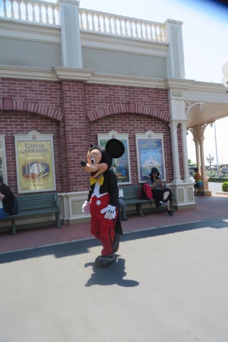Incivilité à Shanghai Disneyland - Un guest frappe Duffy ... Img_5310