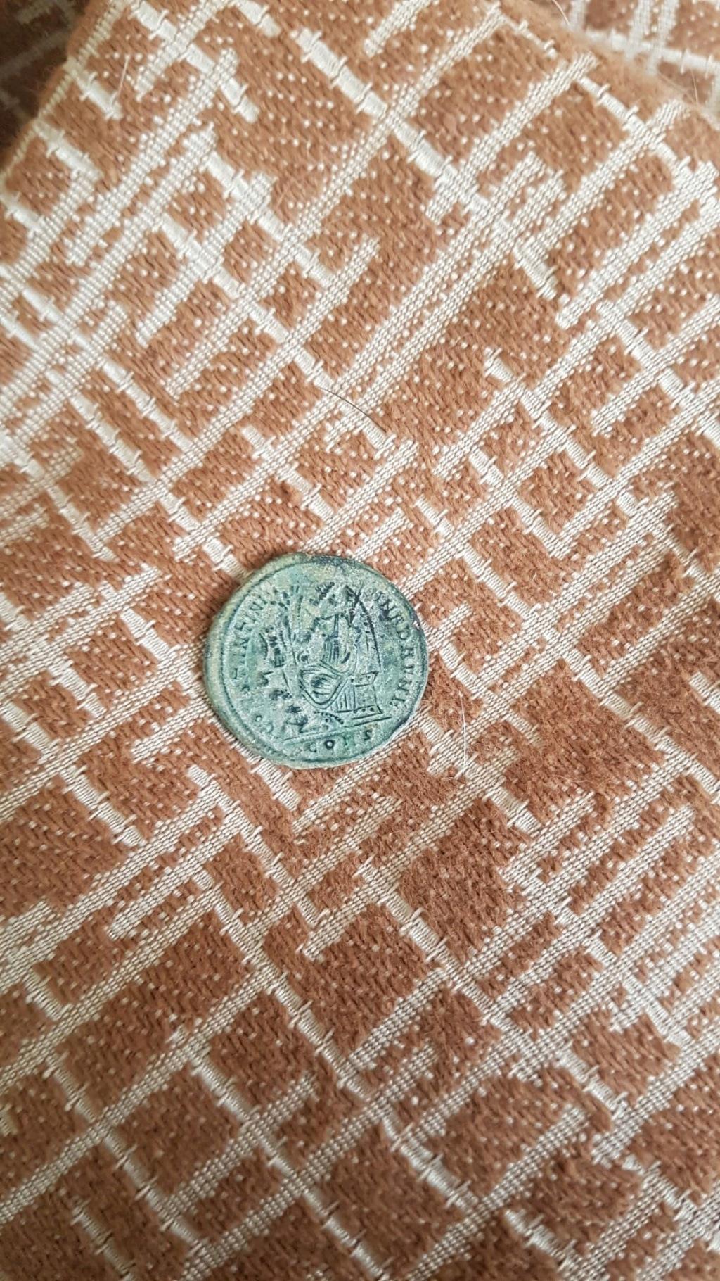 AE3 o Centenional de Constantino I. CONSTANTINIANA DAFNE. Constantinopla  Img-2021