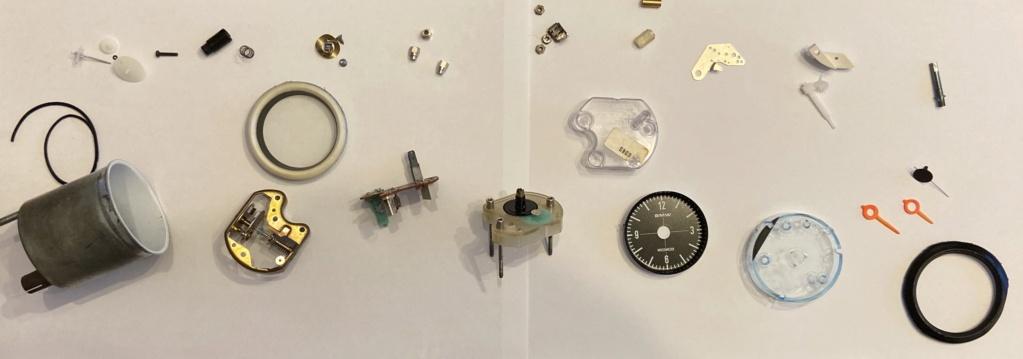 Réparation d'une montre électromécanique (motometer 77) de R100S dont l'aiguille des secondes se bloque.  Cecdaa10