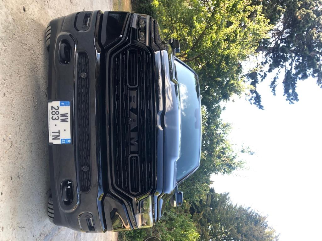 DODGE RAM 1500 CREW CAB LTD FULL BLACK Img_8015