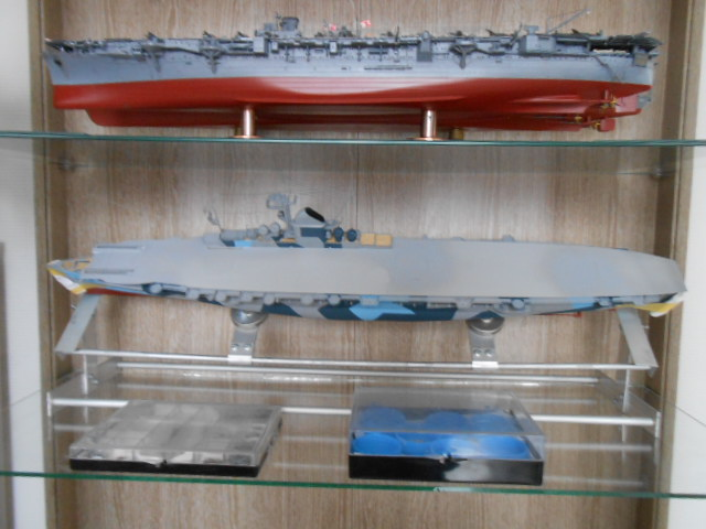 PA DKM Graf Zeppelin PE Pont en bois 1/350 - Page 6 00113