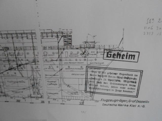 PA DKM Graf Zeppelin PE Pont en bois 1/350 - Page 3 00912