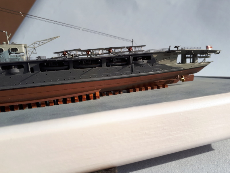HMS HERMES 1/700 Flyhawk +Leds 03410