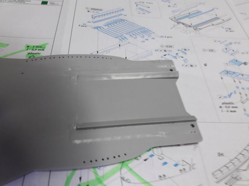 PA DKM Graf Zeppelin PE Pont en bois 1/350 - Page 4 20181510