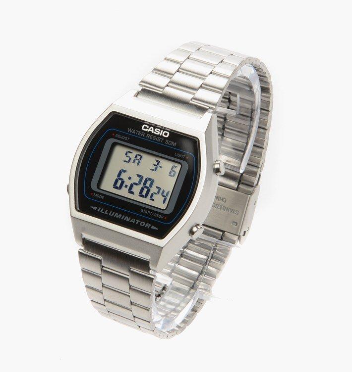 Envie d'une montre digitale vintage, mais laquelle? - Page 3 Casio-11