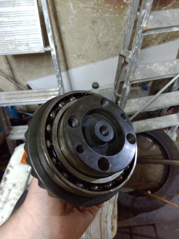 Final drive crown gear bearing P_201812