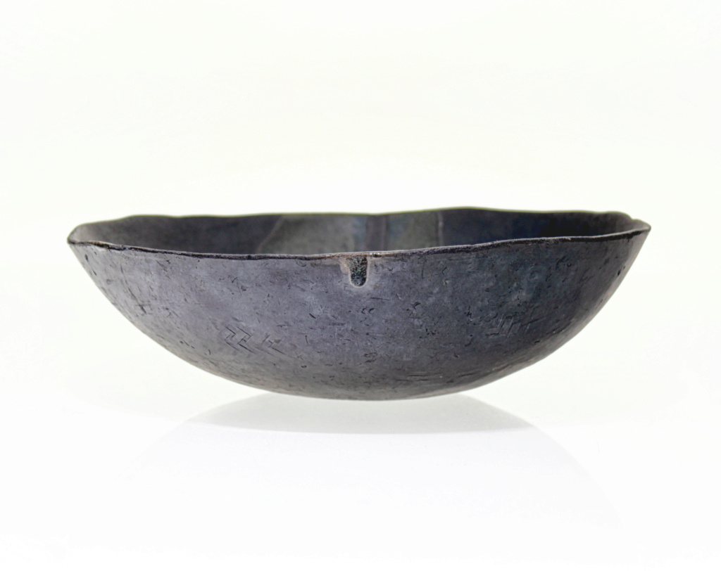 Small Matt Black Bowl with 'R' Monogram 211