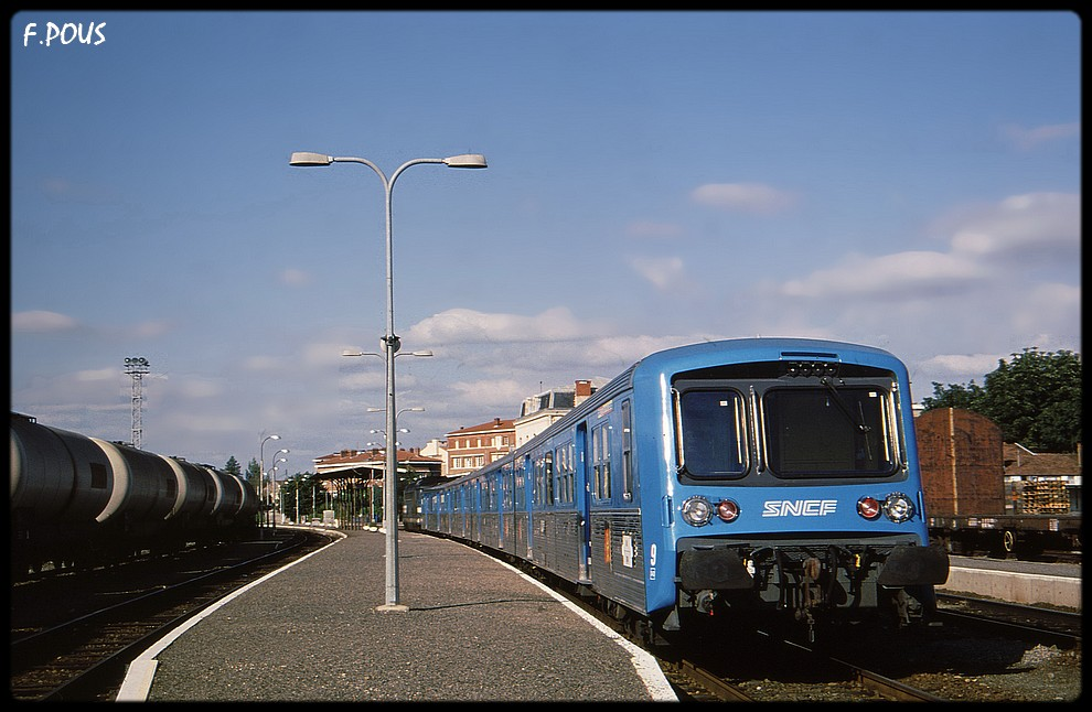 Albi Madeleine (81)-Naucelle gare (12): Mon réseau full diésel - Page 14 Albi-v10