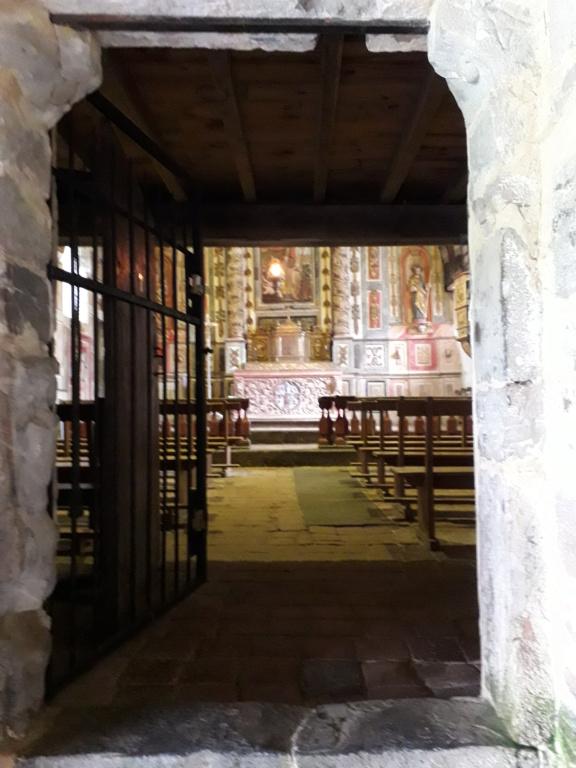 Pays Basque : une église romane pas comme les autres  20180810