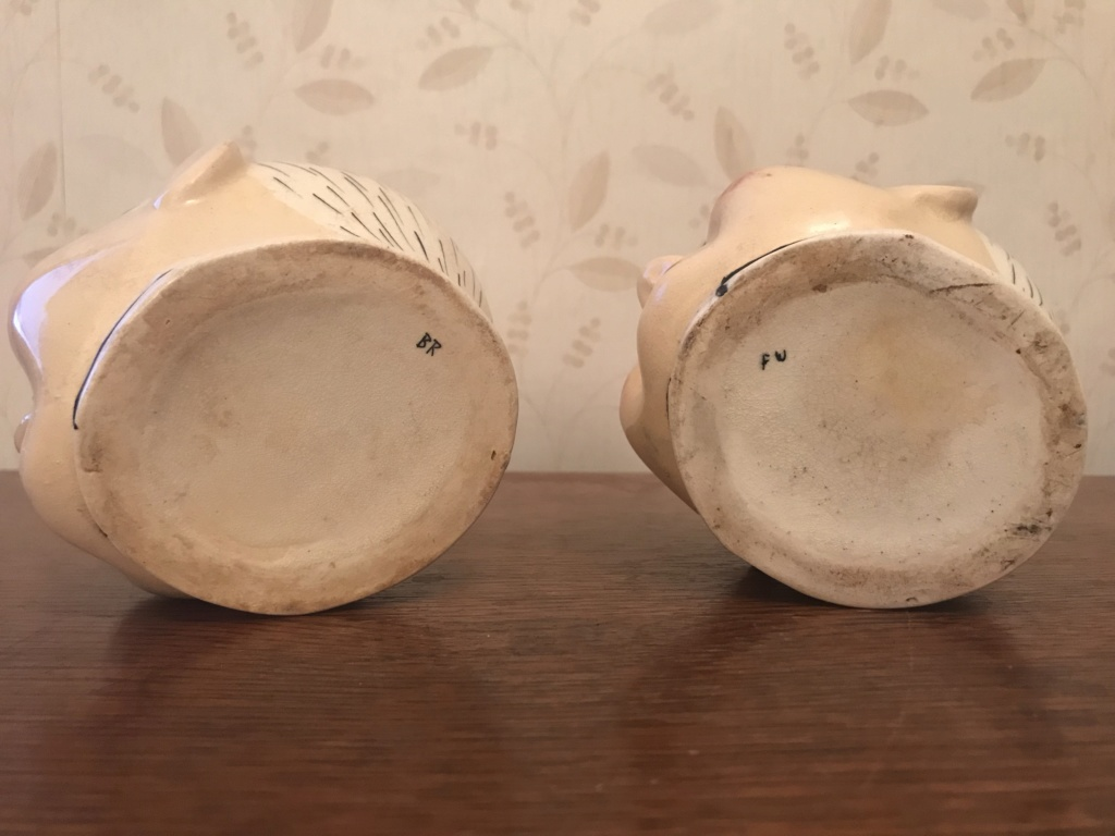 Help ID pair of ceramic pots / planters - thank you for any help provided. 29a28410