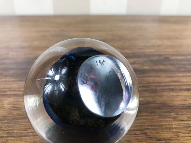 Signed & Dated Glass Paperweight Identification Paperw12